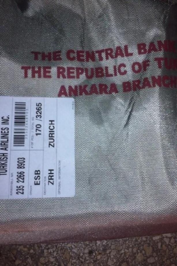 Atatürk Havalimanı apronuna Merkez Bankası'nın banknotları saçıldı