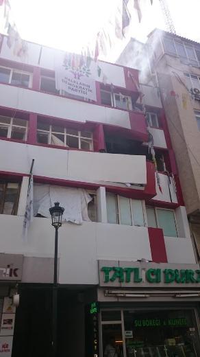 Mersin ve Adana HDP binasında patlama
