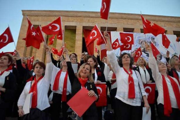 Vatandaşlar Anıtkabir'e akın etti