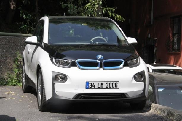 Beyazıt Öztürk'ün yeni gözdesi elektrikli otomobil