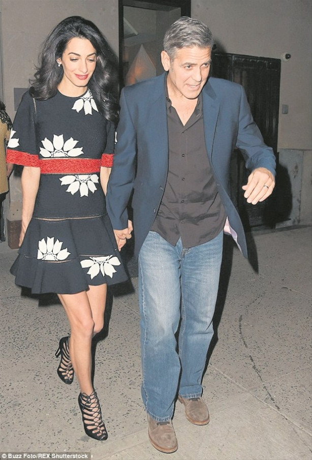 Amal Clooney George Clooney'i Julia Roberts'tan kıskanıyor !
