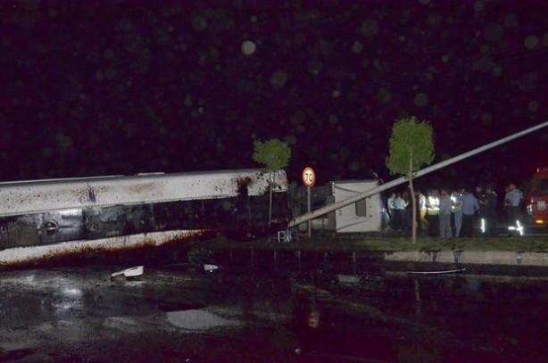 Şanlıurfa'da mazot yüklü tanker devrildi