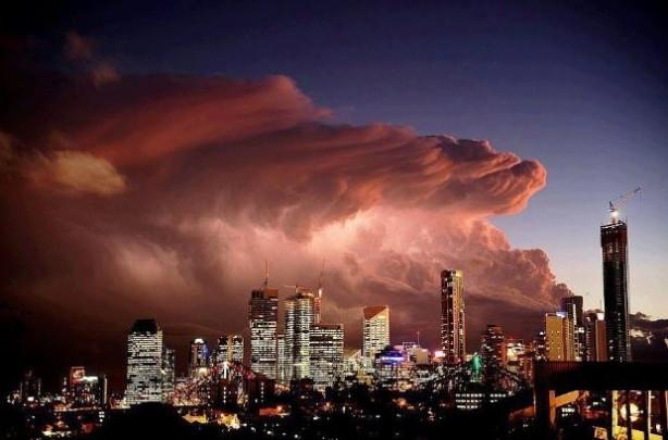 Avustralya'dan sıradışı gök manzaraları