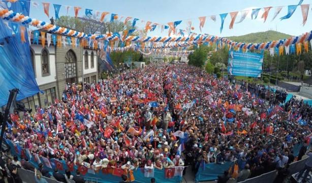 Parti liderleri miting meydanlarında