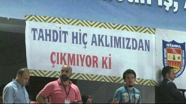 Erdoğan'ın esnafla buluşmasından pankart krizi