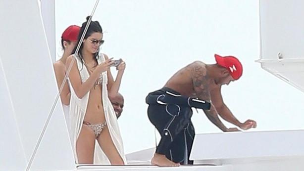 Magazin dünyasının yeni aşkı: Kendall Jenner ve Lewis Hamilton