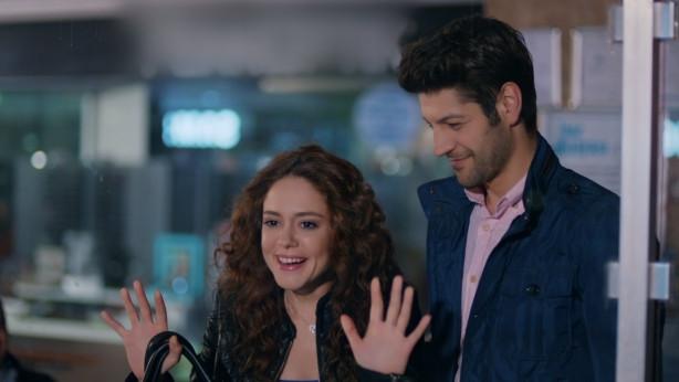 Acil Aşk Aranıyor Son Bölüm'de Romantik dolu sahneler