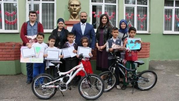 Bisiklet ödüllü yarışmada derece alamayan madenci çocukları ağladı