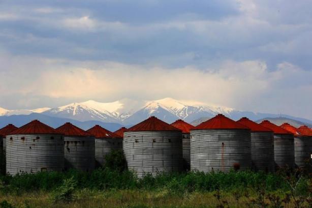 Yunanistan'ın hayalet fabrikaları