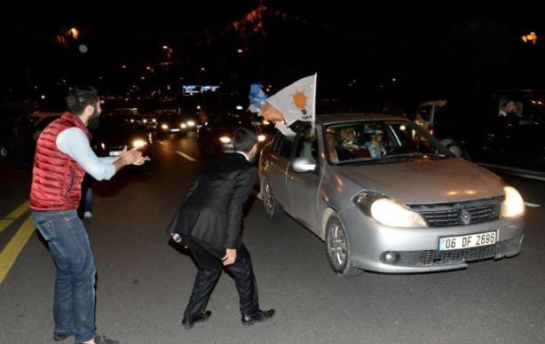 Ankara'da kornalı sevince yanıt
