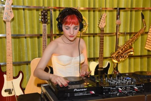 Gonca Vuslateri DJ oldu