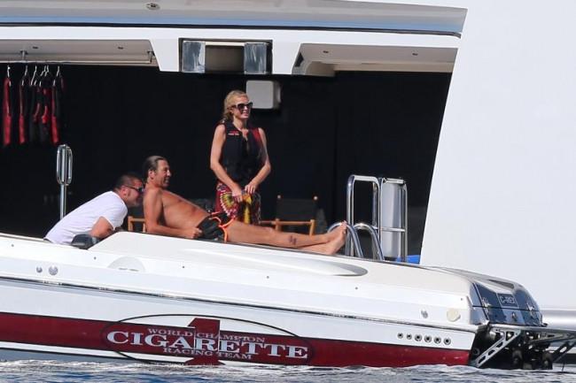 Paris Hilton'un yeni sevgilisi