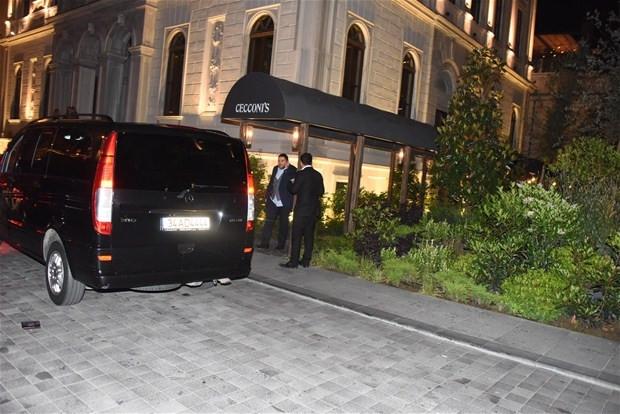 Özge Ulusoy ve Hacı Sabancı muhabirlerle 'köşe kapmaca' oynadı