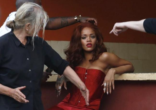 Ofiste Rihanna gibi giyinmek de mümkün
