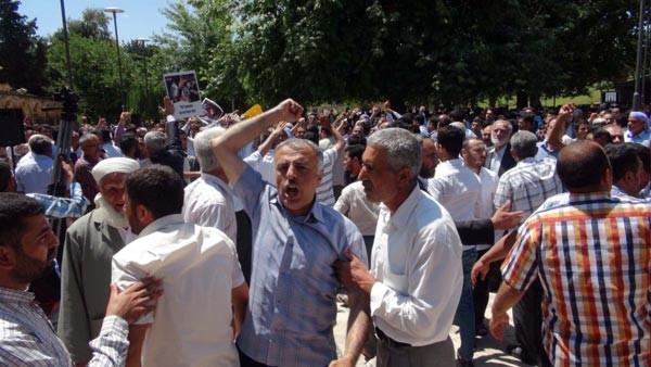İhya-Der Başkanı için gıyabi cenaze namazında linç girişimi