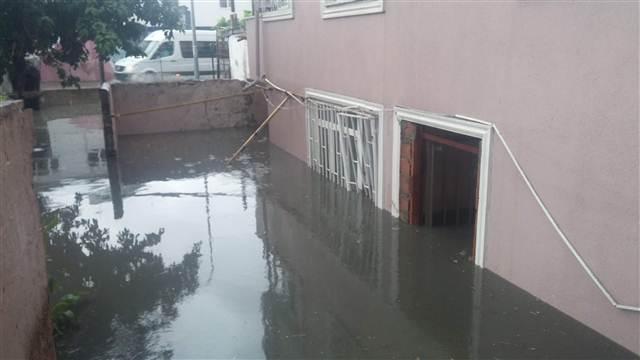 İstanbul'u yağmur vurdu