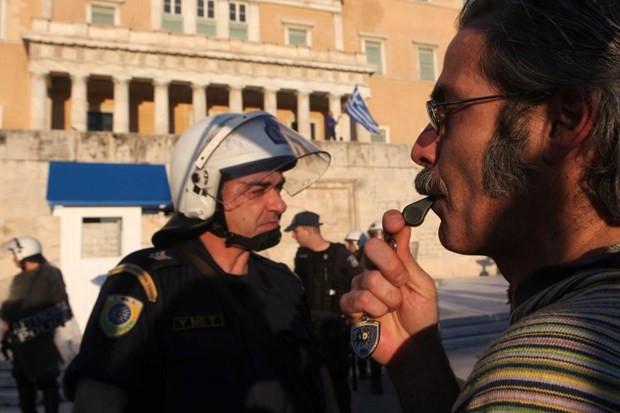 Yunanistan'da tespih satışları patladı