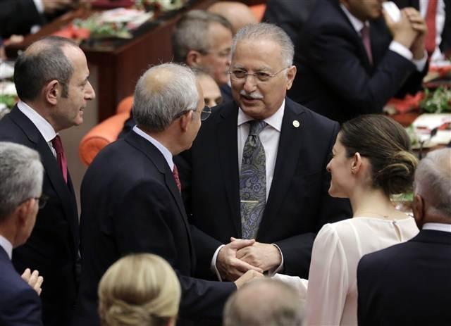 25. Dönem Meclis'te fotoğrafların dili