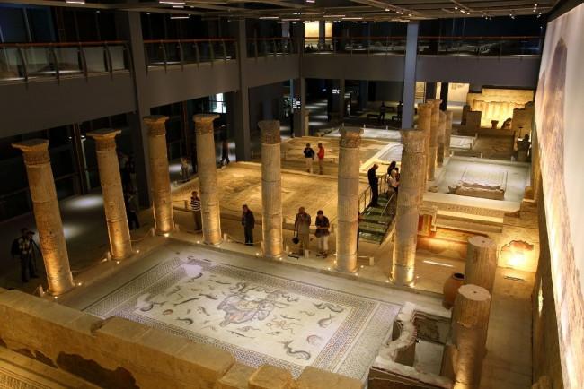 Gaziantep'te tarihi yapılar ayağa kaldırılıyor