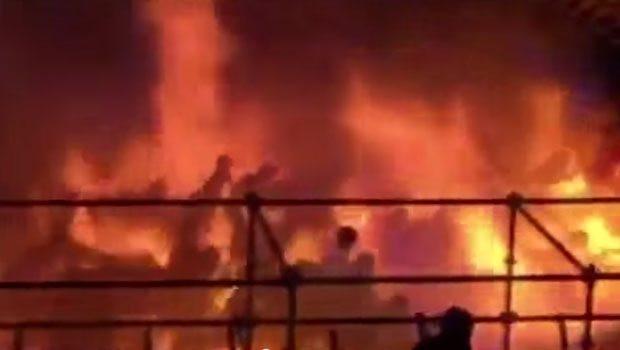 Tayvan'daki eğlence parkında korkutan yangın