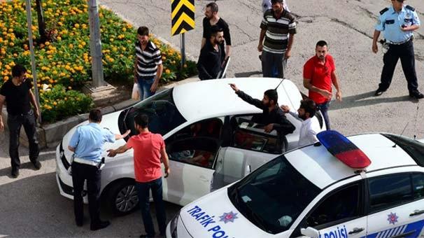 Kavgacılar polisi kandırıp kaçtı
