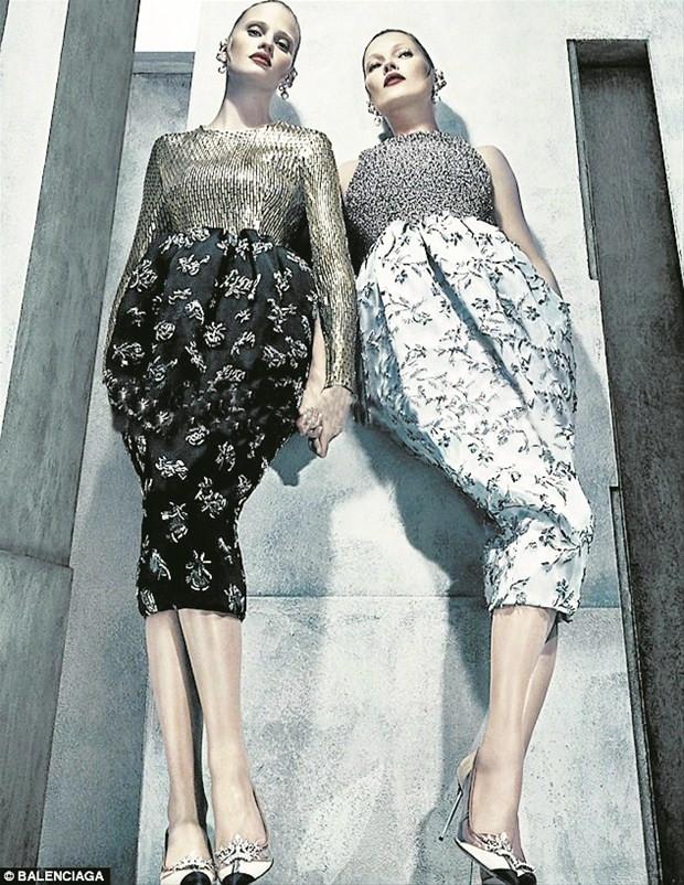 Kate Moss ve Lara Stone'un tahrik edici birlikteliği