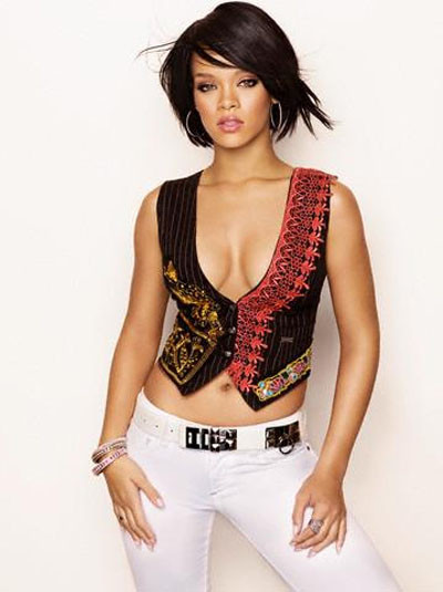 Rihanna büyüledi