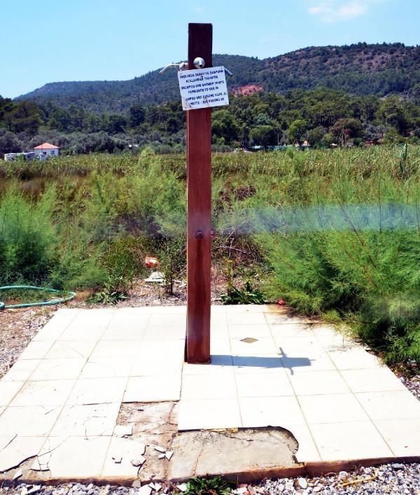 Cennet koyda taşıma suyla turizme tepki