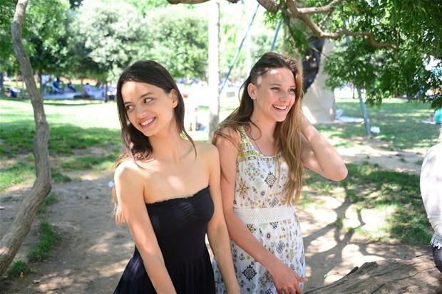 Paramparça'nın güzelleri bir arada!
