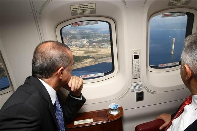 Erdoğan, havadan helikopterle 3 büyük projenin inşaatını inceledi