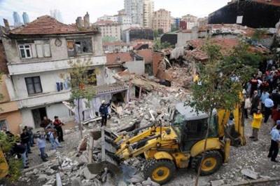 İstanbul koca bir enkaz oldu !
