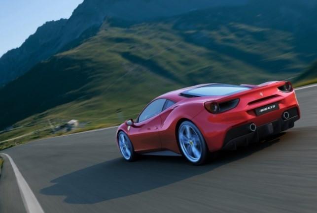 Ferrari 488 GTB fiyatı dudak uçuklatıyor