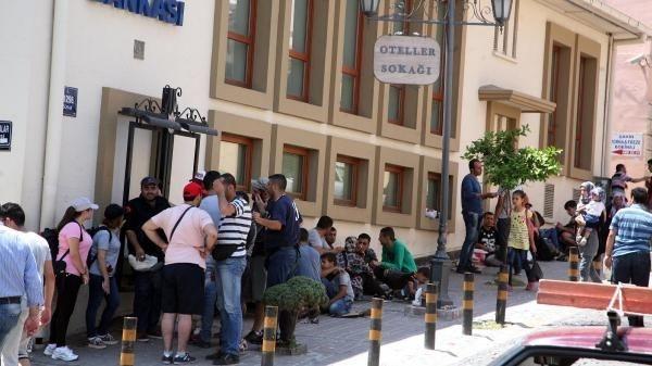 Sokaklar mülteci kampına dönüştü
