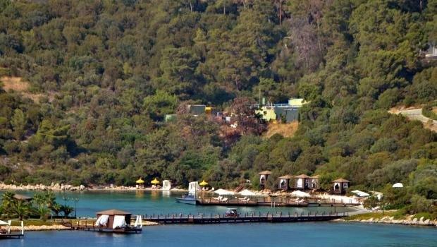 Rus işadamı Bodrum'da beş yıldızlı otelin plajını kapattı