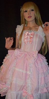Estetiksiz Barbie zor durumda