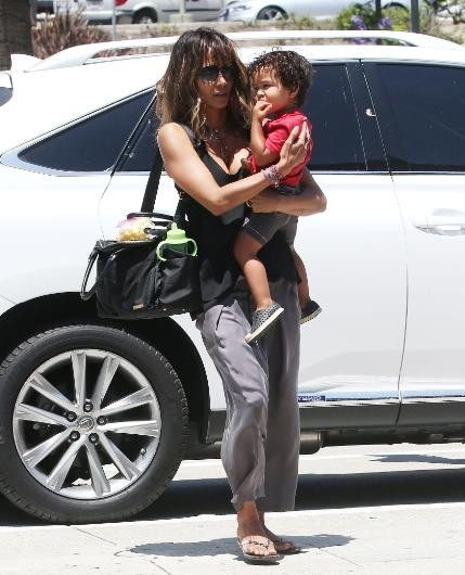 Halle Berry ve oğlu