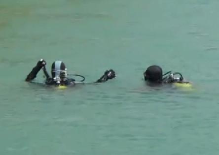 Adana'da dalgıçlar ceset aradı çocuklar yüzdü