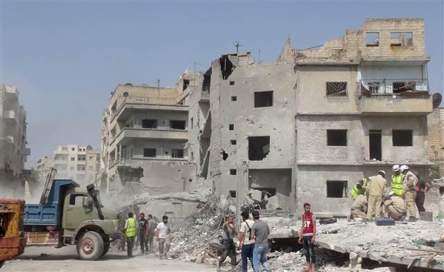 Suriye uçağı Türkiye sınırında düştü