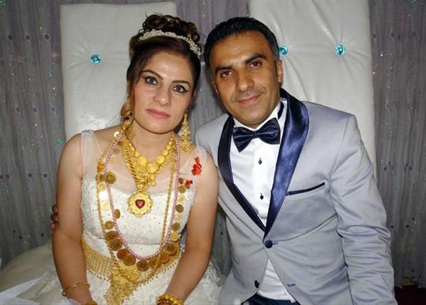 Yüksekova'da silahların gölgesinde düğün