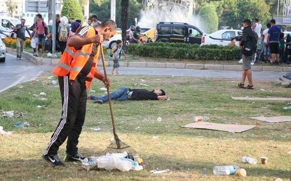 Suriyelileri temizlik işçileri uyandırıyor