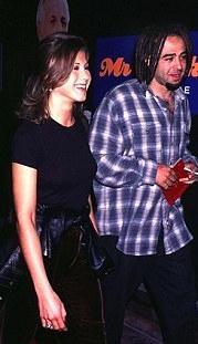 Jennifer Aniston dünya evine girdi