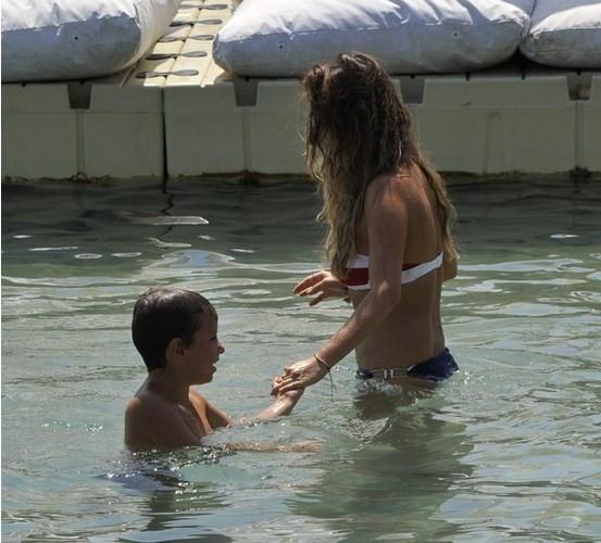 Barış Falay ve Esra Ronabar tatil keyfinde
