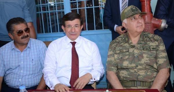 Başbakan ve Genelkurmay Başkanı sınırda