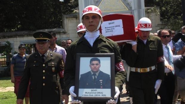 Şehit onbaşı gözyaşlarıya son yolculuğuna uğurlandı