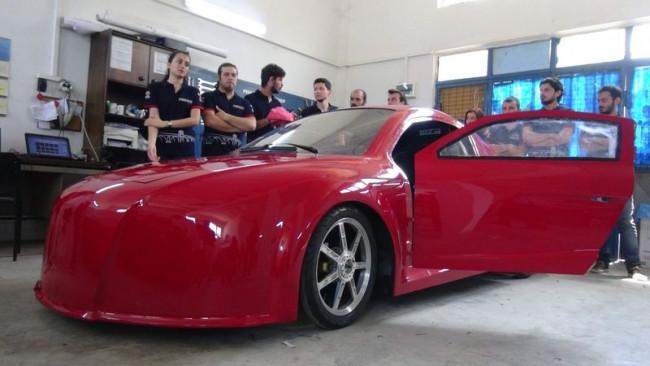 Trakyalı öğrencilerin elektrikli otomobili ödül aldı