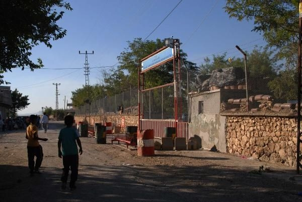 Diyarbakır'da Özerkli Köyü Jandarma Karakolu'na saldırı