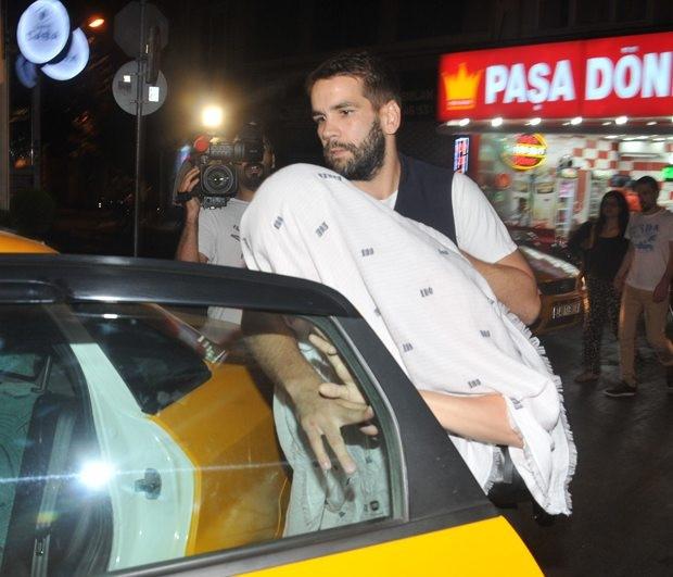 Scarlett Johansson ve eşi Romain Dauriac İstanbul'u karıştırdı
