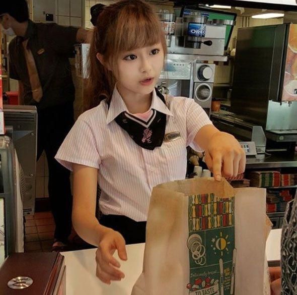 'McDonald's Tanrıçası' sosyal medyayı salladı