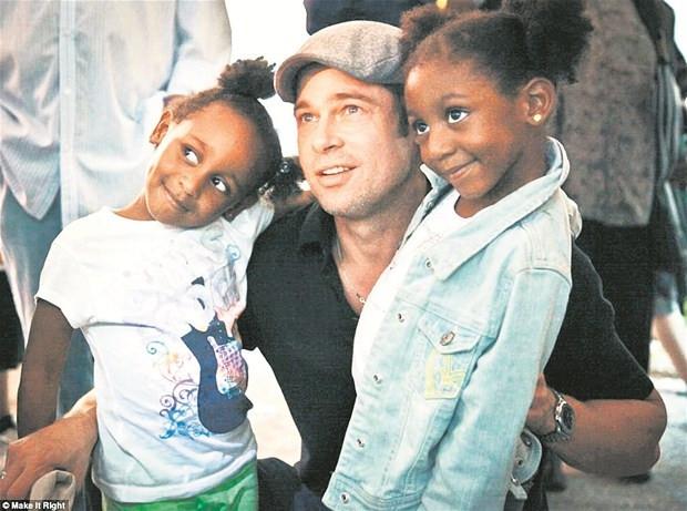 Brad Pitt Katrina'nın evsiz bıraktıkları için ev yaptırdı