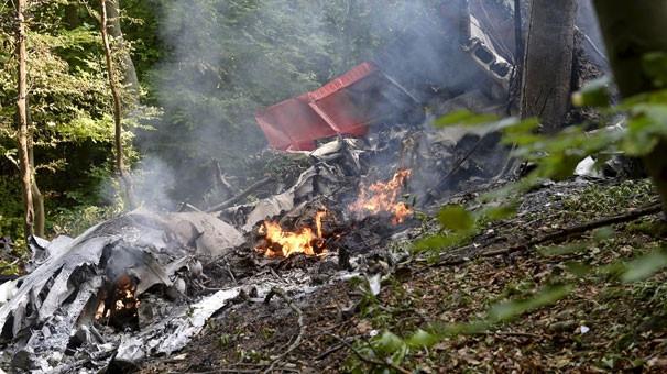 İki uçak havada çarpıştı! Ölenler var...